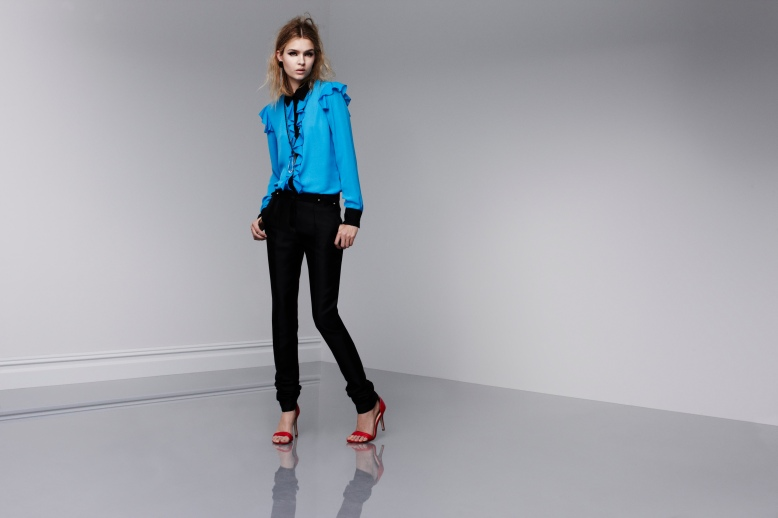 Dresden Blue ruffle top with skinny black pants
