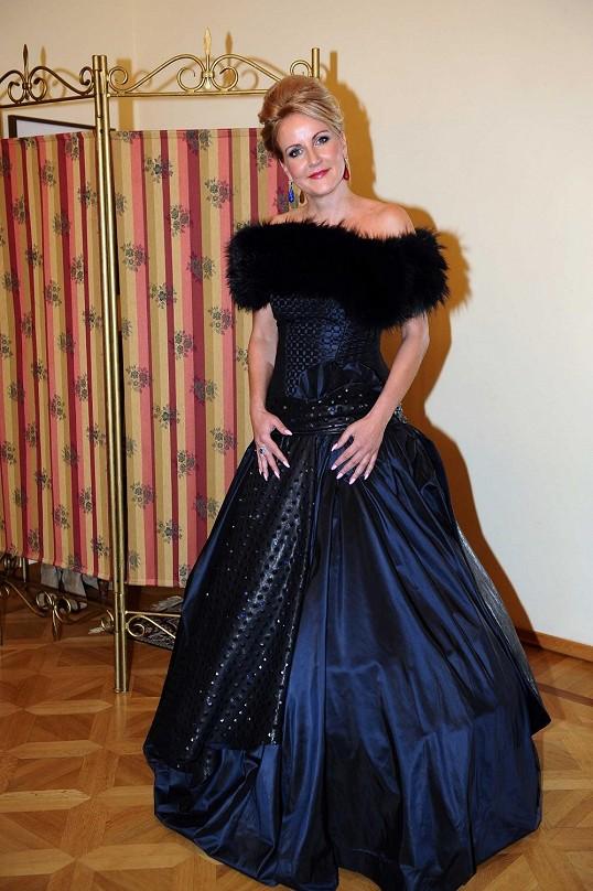 Vendula Svobodova in a dress made with saphires