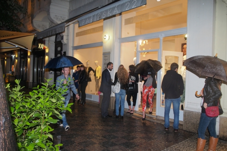 No amount of rain could stop the fashion faithful from shopping on Thursday, May 29 Photo Credit: Jiří Herman