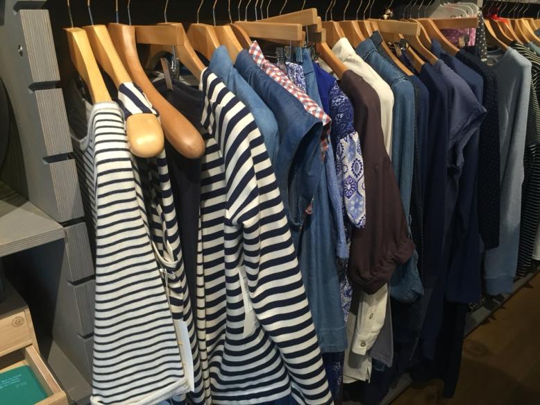 blue rack